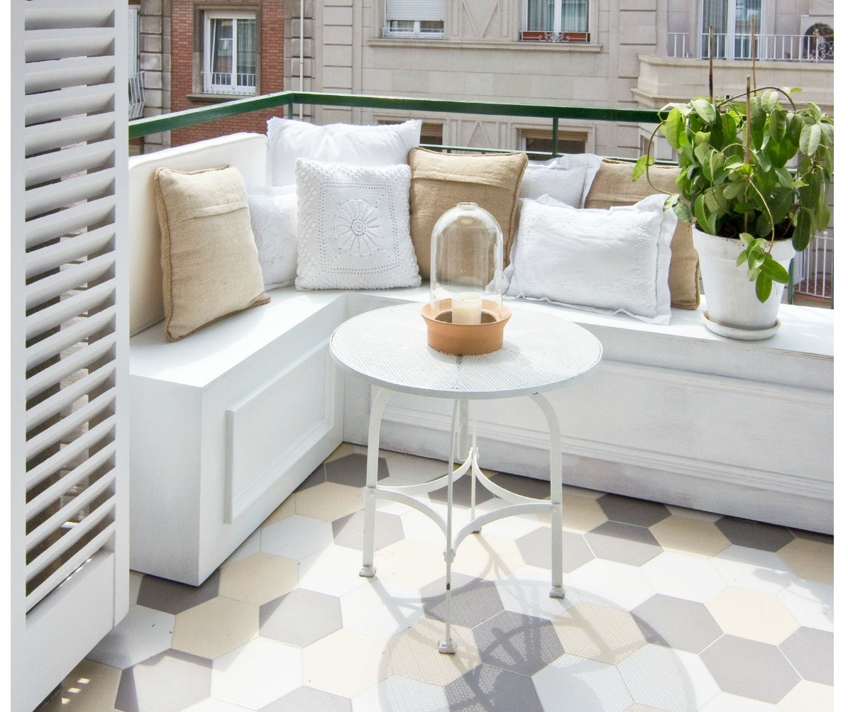 24 ideas para decorar peque os balcones tienda online de - Decoracion de suelos interiores ...