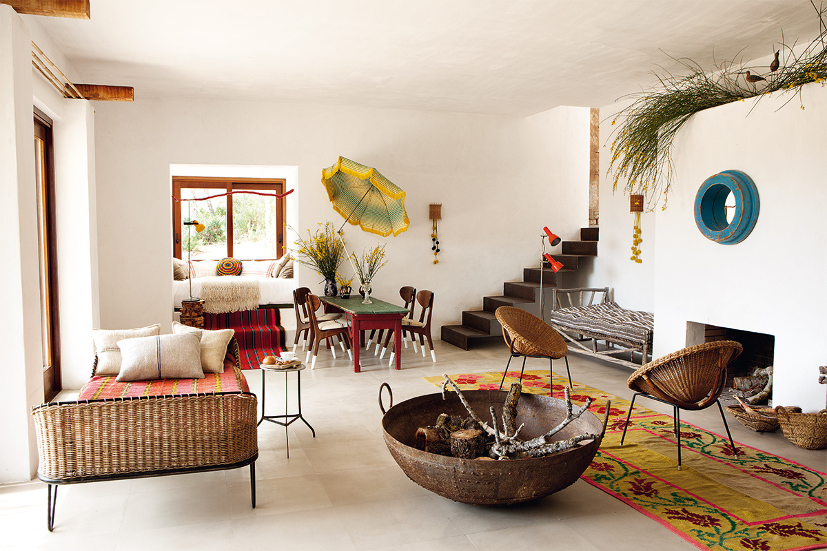 Un casa de campo de estilo bohemio en ibiza tienda for Casas de muebles online