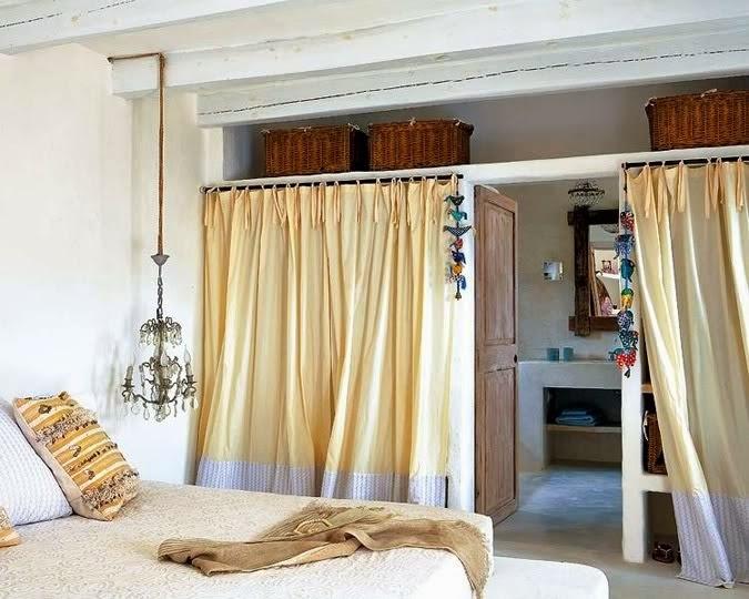 Una casa en formentera oasis de paz tienda online de - Cortinas para armarios sin puertas ...
