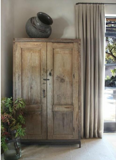 19 ideas para decorar con un armario el sal n tienda for Cristales antiguos para puertas