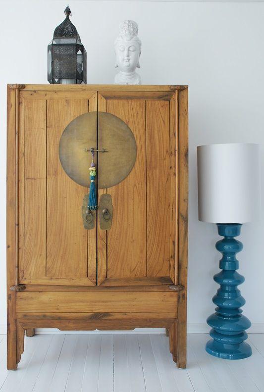 19 ideas para decorar con un armario el sal n tienda - Muebles de estilo oriental ...
