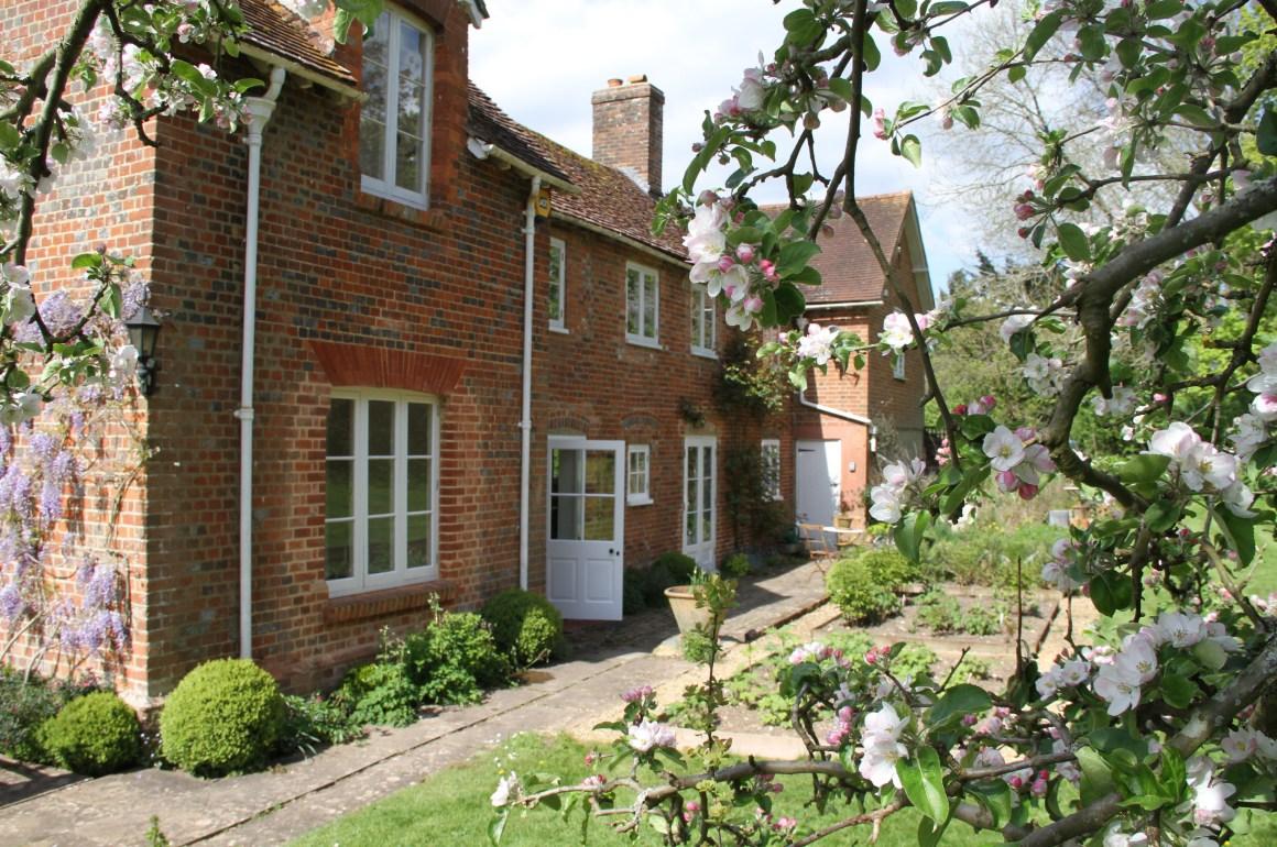 Una casa de campo con el encanto del estilo ingl s for Casa de campo de estilo ingles decoracion