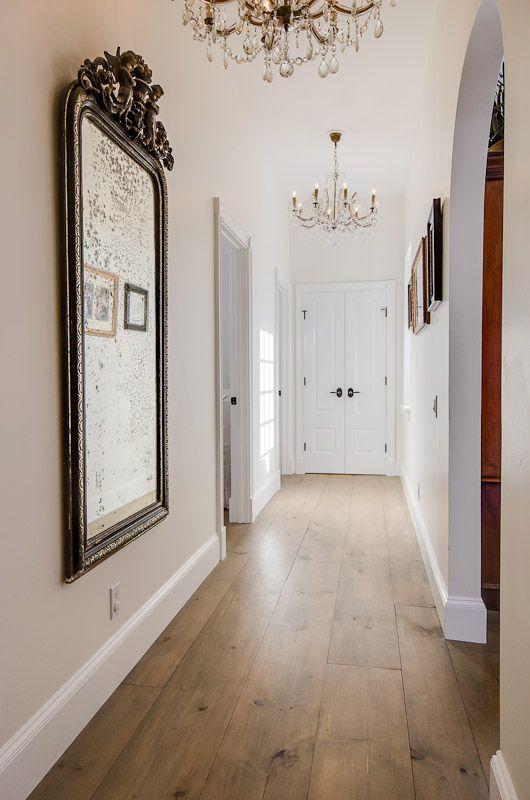 27 ideas para decorar con espejos grandes antiguos for Espejo salon grande