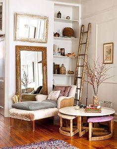 si no tienes a mano una escalera antigua o no quieres adquirir una nueva pudes crearla tu mismoa para ello aqu te dejo un tutorial para hacer una escalera