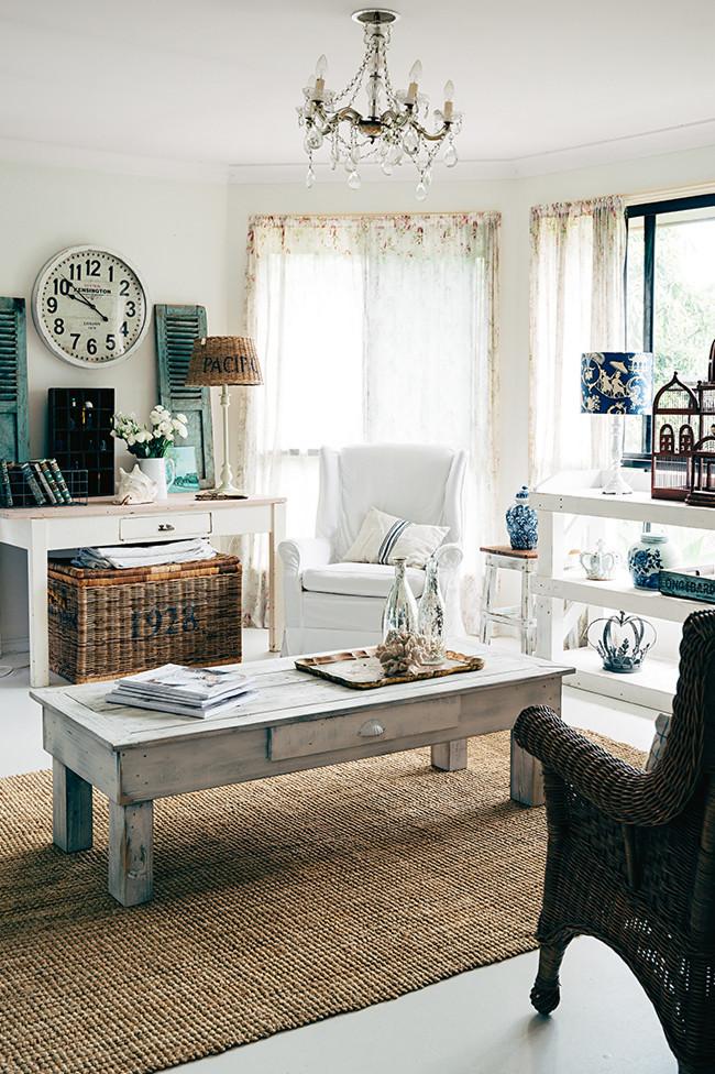 Una hermosa casa de estilo r stico chic con muebles y - Decoracion rustico chic ...