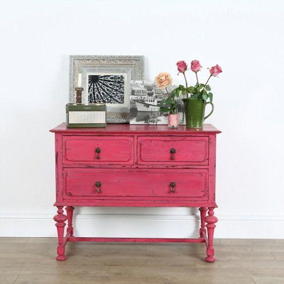 Pintar una mesilla de noche vintage en rosa y dorado for Muebles la rosa