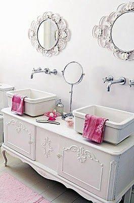 7 ideas originales muebles para lavabos dobles hechos con aparadores antiguos