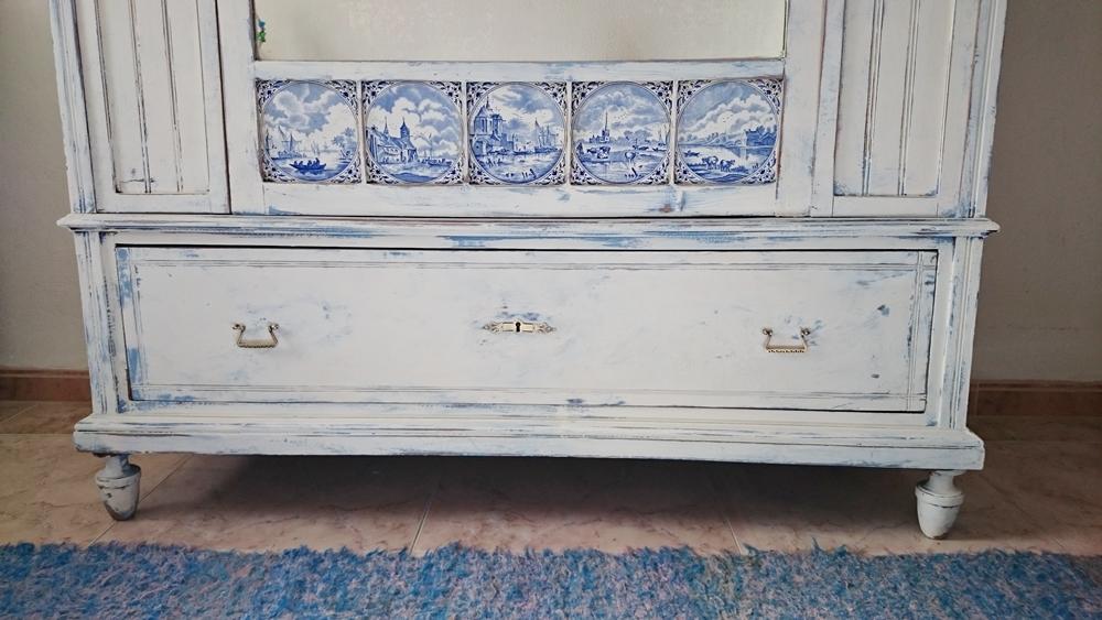 C mo actualizar un armario antiguo tienda online de - Modernizar muebles antiguos ...