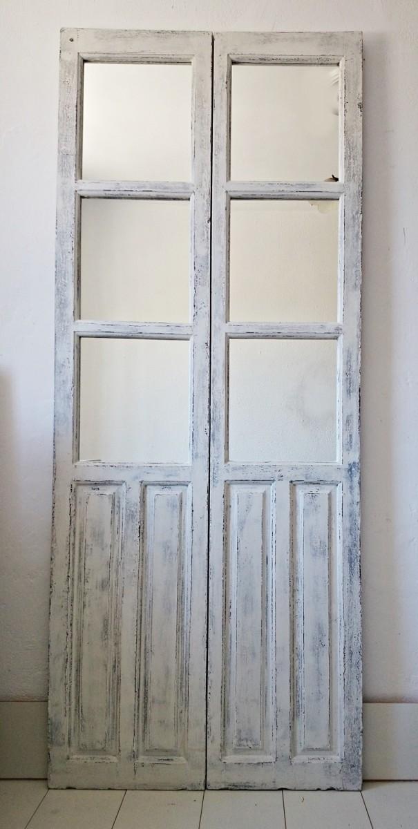 C mo convertir una antigua puerta en un espejo tienda for Espejos con puertas viejas