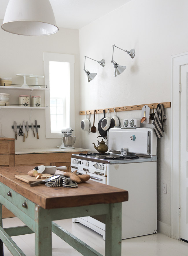 C mo crear una cocina de estilo r stico actual tienda for Crear muebles online