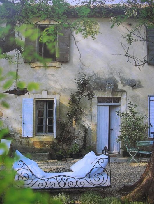 C mo decorar nuestros espacios exteriores con antiguas - Camas de forja antiguas ...