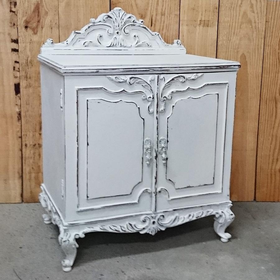 Gran mesita vintage blanco decapado bohemian and chic - Mueble blanco decapado ...