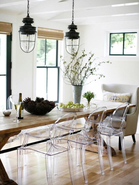 39 ideas para combinar diferentes estilos de sillas en el for Estilos de sillas para comedor