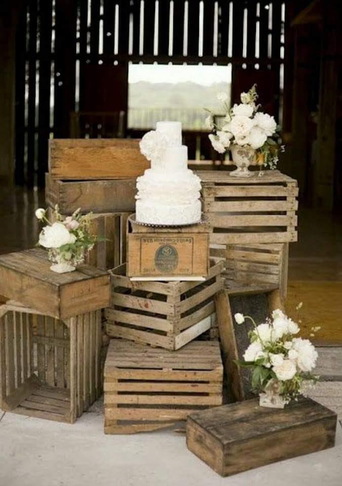 24 ideas para decorar con cajas de frutas una boda - Como decorar cajas de madera para centros de mesa ...