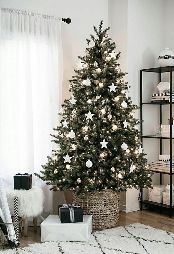 11 Ideas Para Decorar La Base Del Arbol De Navidad Con Cestas - Ideas-arboles-de-navidad