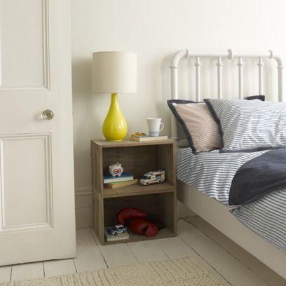 22 ideas originales de mesitas de noche hechas con cajas de madera tienda online de decoraci n - Ideas mesitas de noche ...