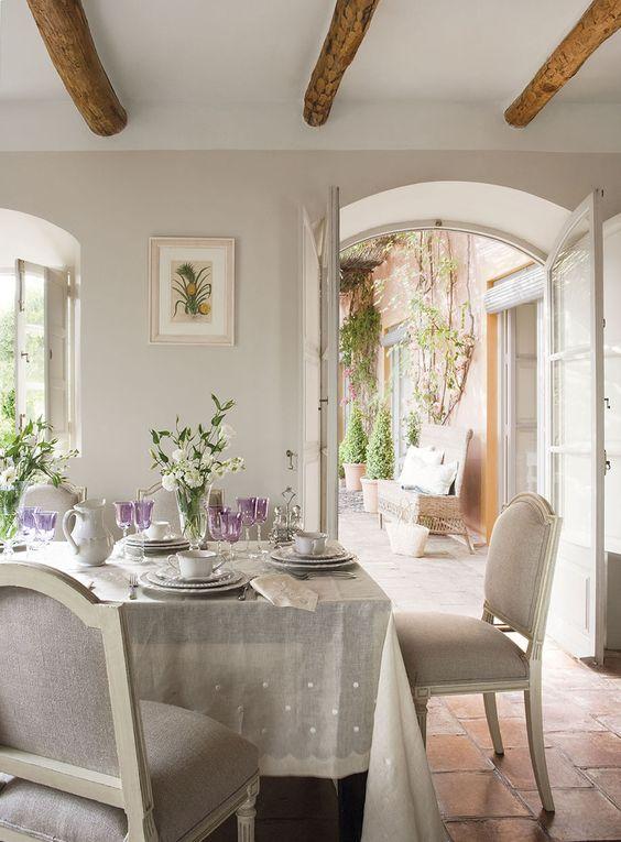 Una hermosa casa de estilo afrancesado en m laga tienda for Casas estilo frances clasico