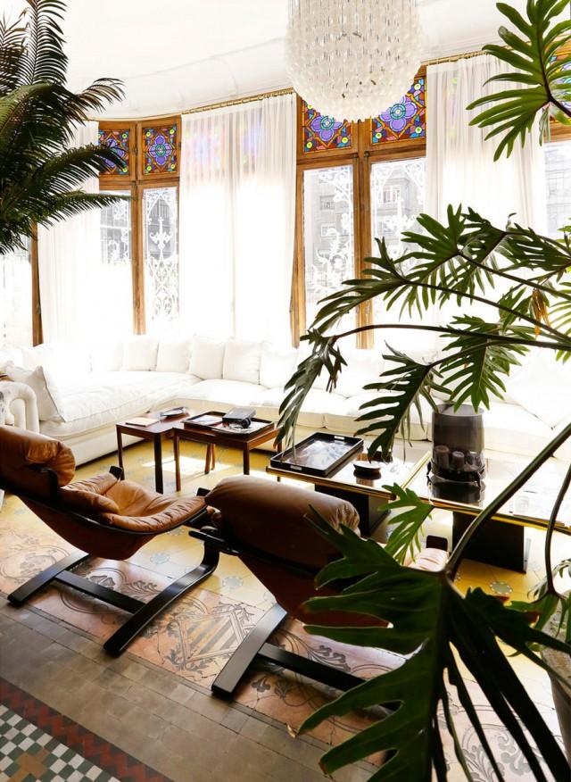 La impresionante casa modernista de un dise ador de interiores bohemian and chic - Disenador de interiores barcelona ...