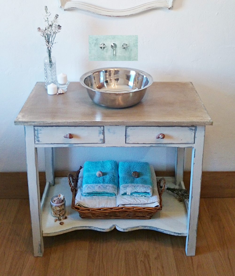Mueble de ba o shabby chic bohemian and chic for Mueble antiguo para bano