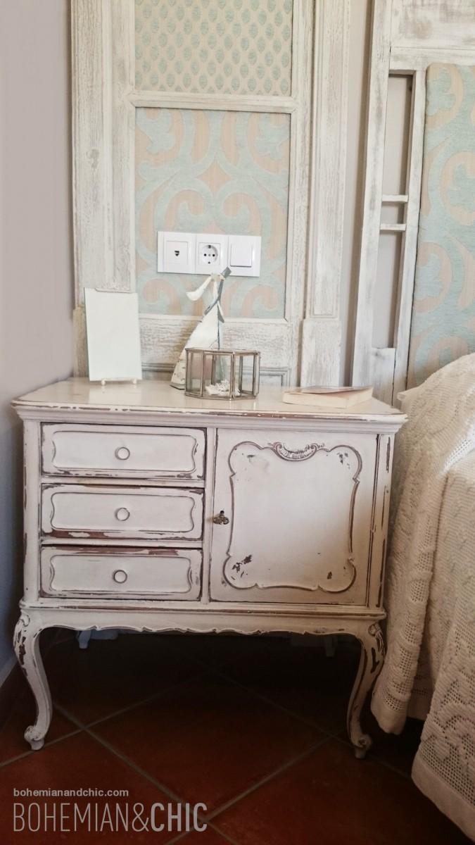Un estilo shabby para el proyecto de decoraci n de la - Mesita de noche pequena ...