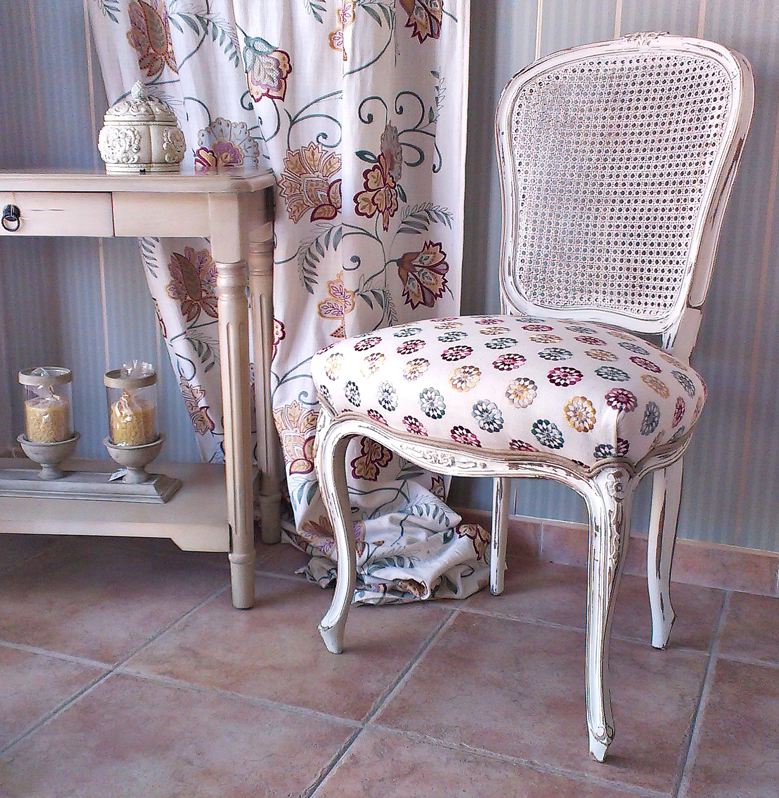 Sillas vintage estilo luis xv vintage chairs louis xv style bohemian and chic - Sillas de decoracion ...