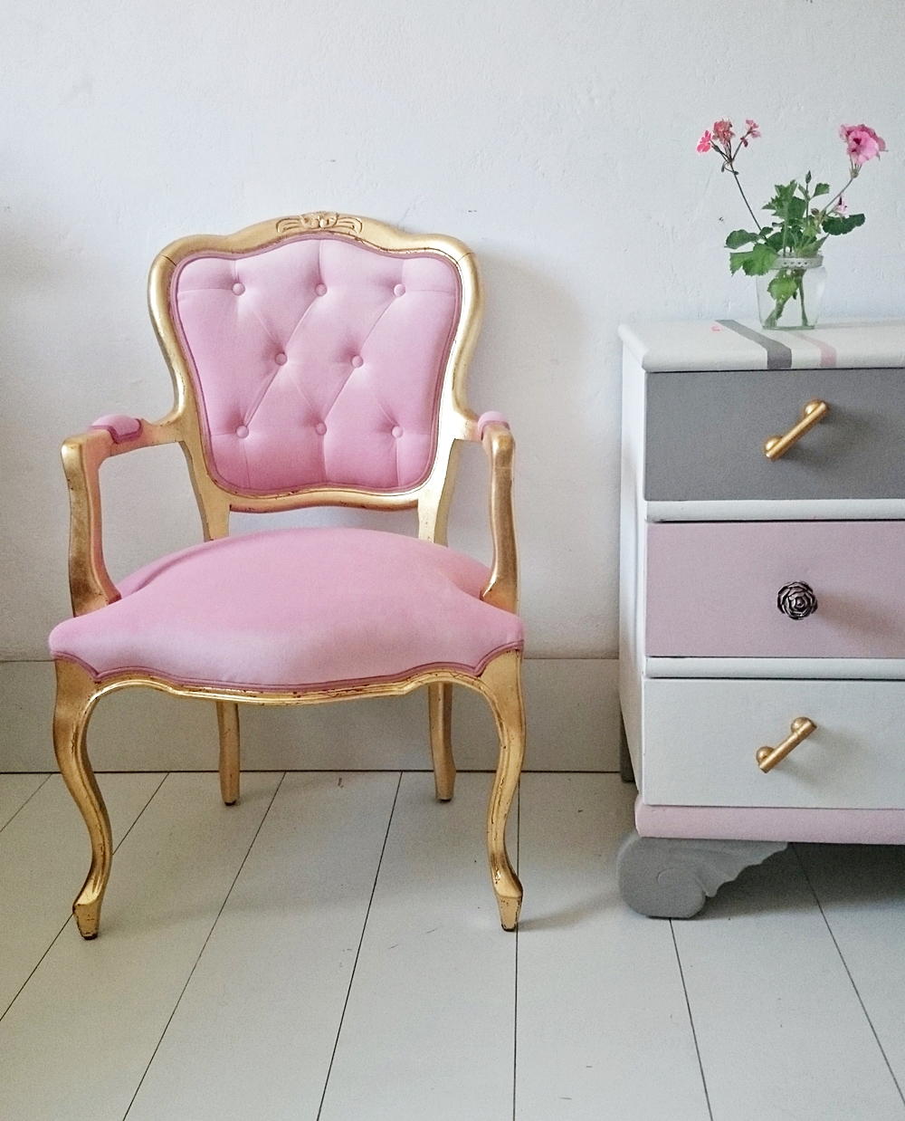 Sillon vintage en oro y rosa bohemian and chic for Pinterest muebles