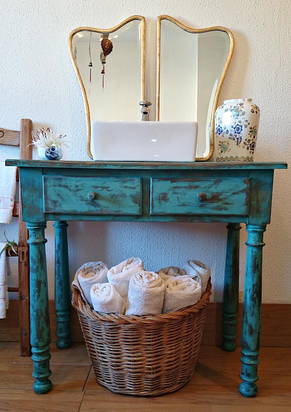 Mueble ba o r stico decapado en turquesa tienda online - Muebles antiguos para banos ...