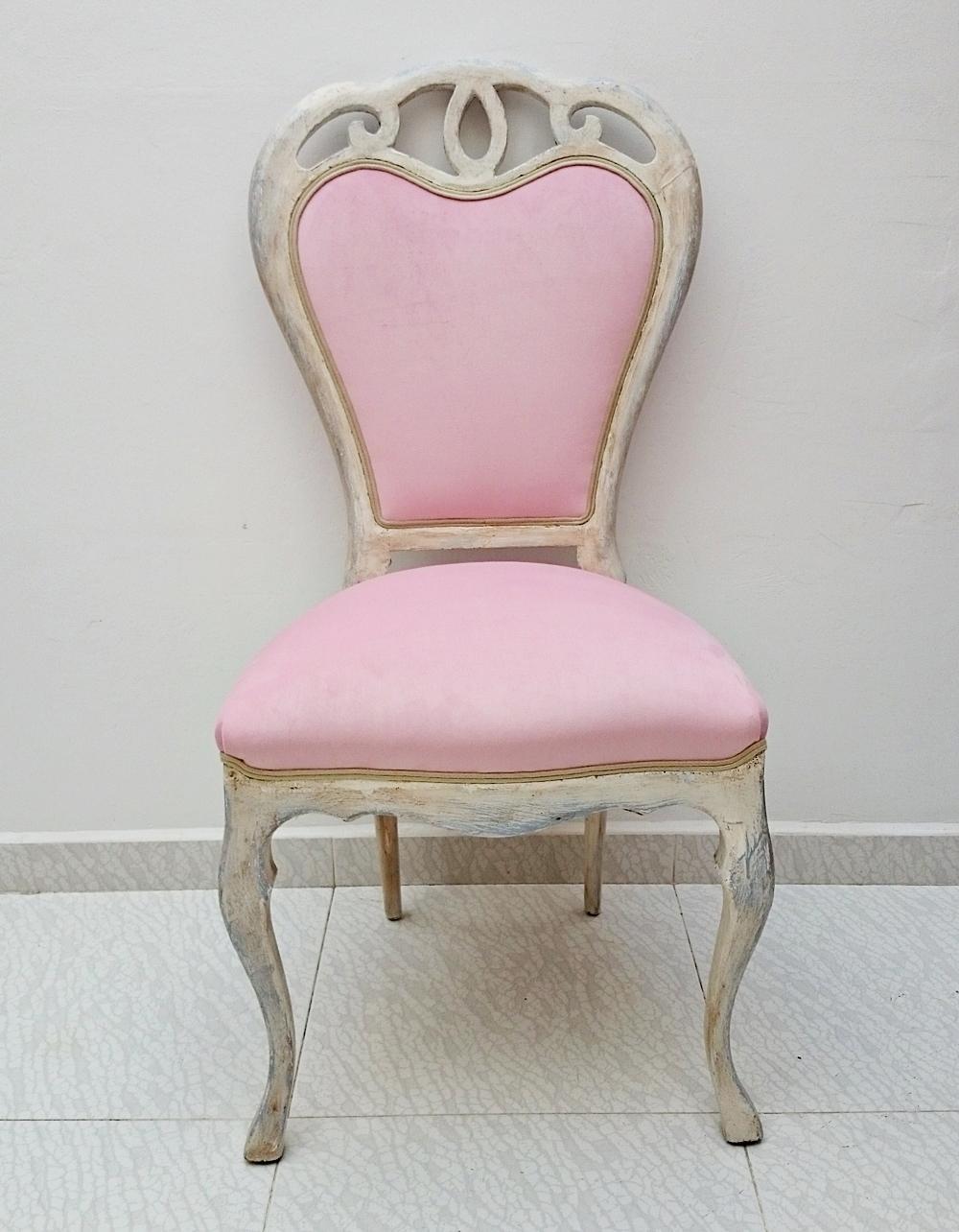 Silla vintage en blanco y terciopelo rosa tienda online for Sillas salon vintage