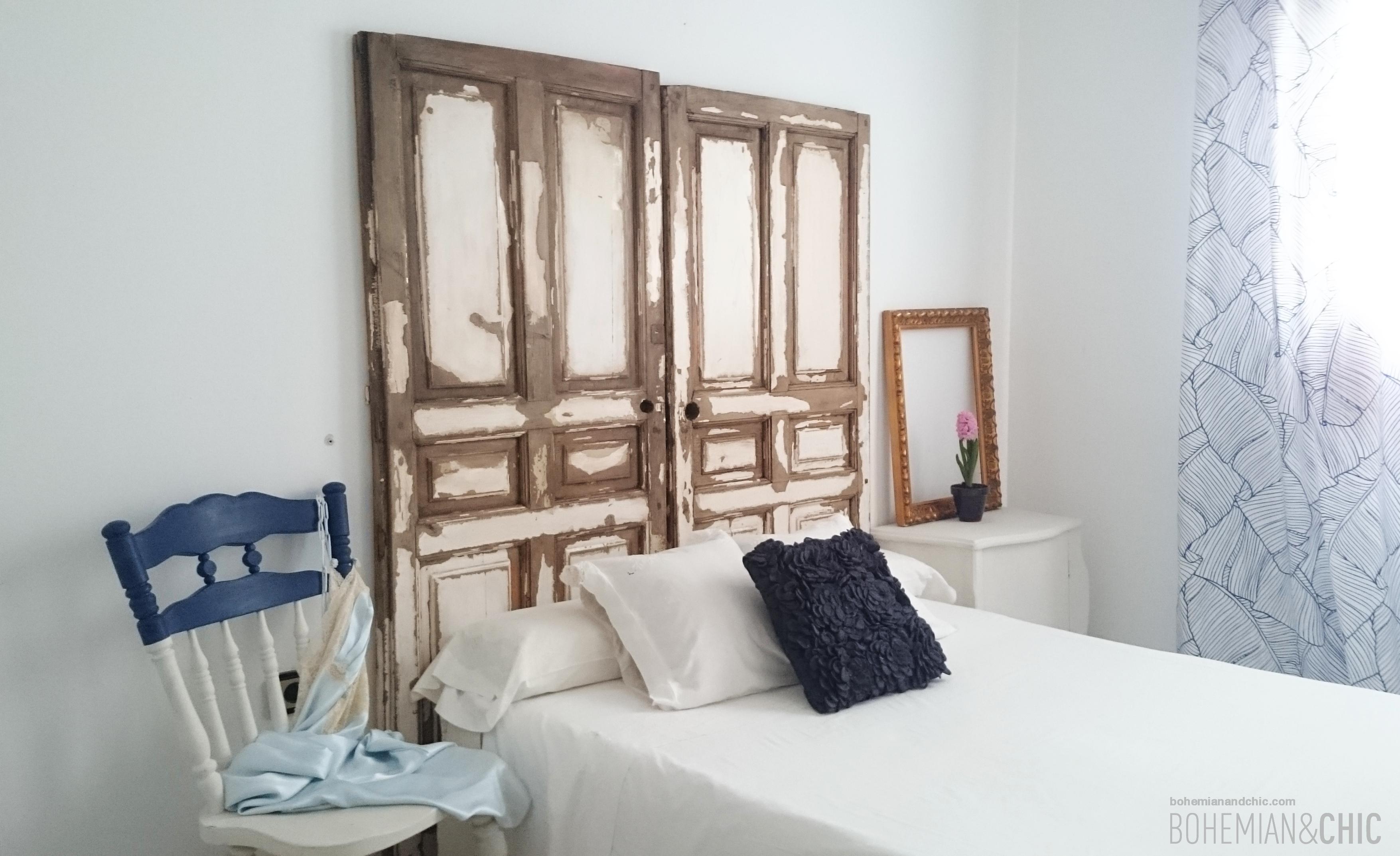 Bonito Muebles Hechos De Puertas Antiguas Ilustración - Muebles Para ...
