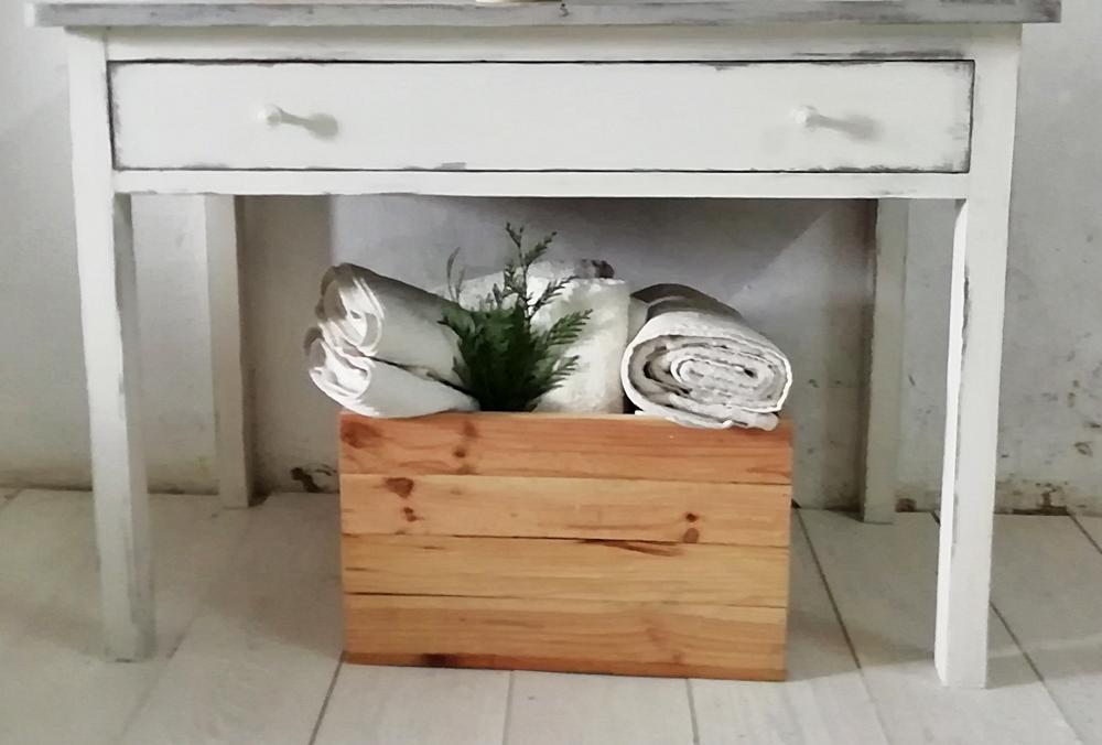 Mueble ba o estilo rustico chic en blanco y gris tienda for Mueble bano rustico blanco
