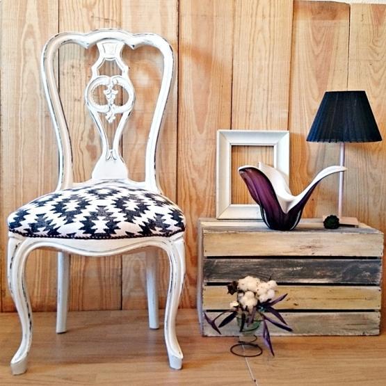 silla vintage estilo shabby chic en blanco decapado