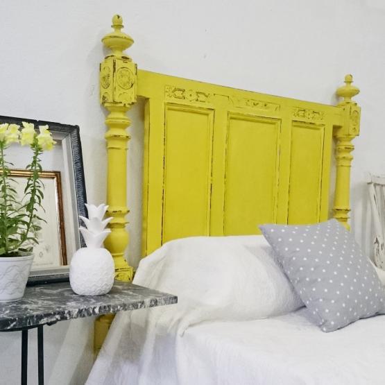 Antiguo cabecero en amarillo decapado | Tienda online de decoración ...