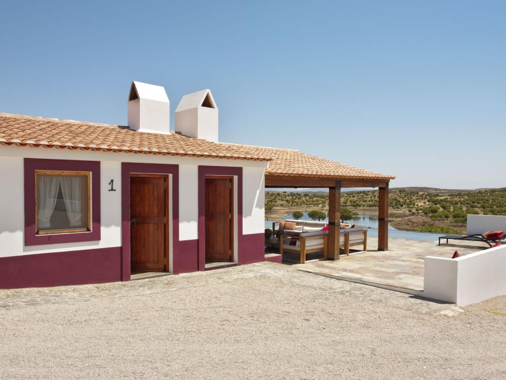 Una casa de campo en el sur de portugal tienda online de for Casas de muebles online