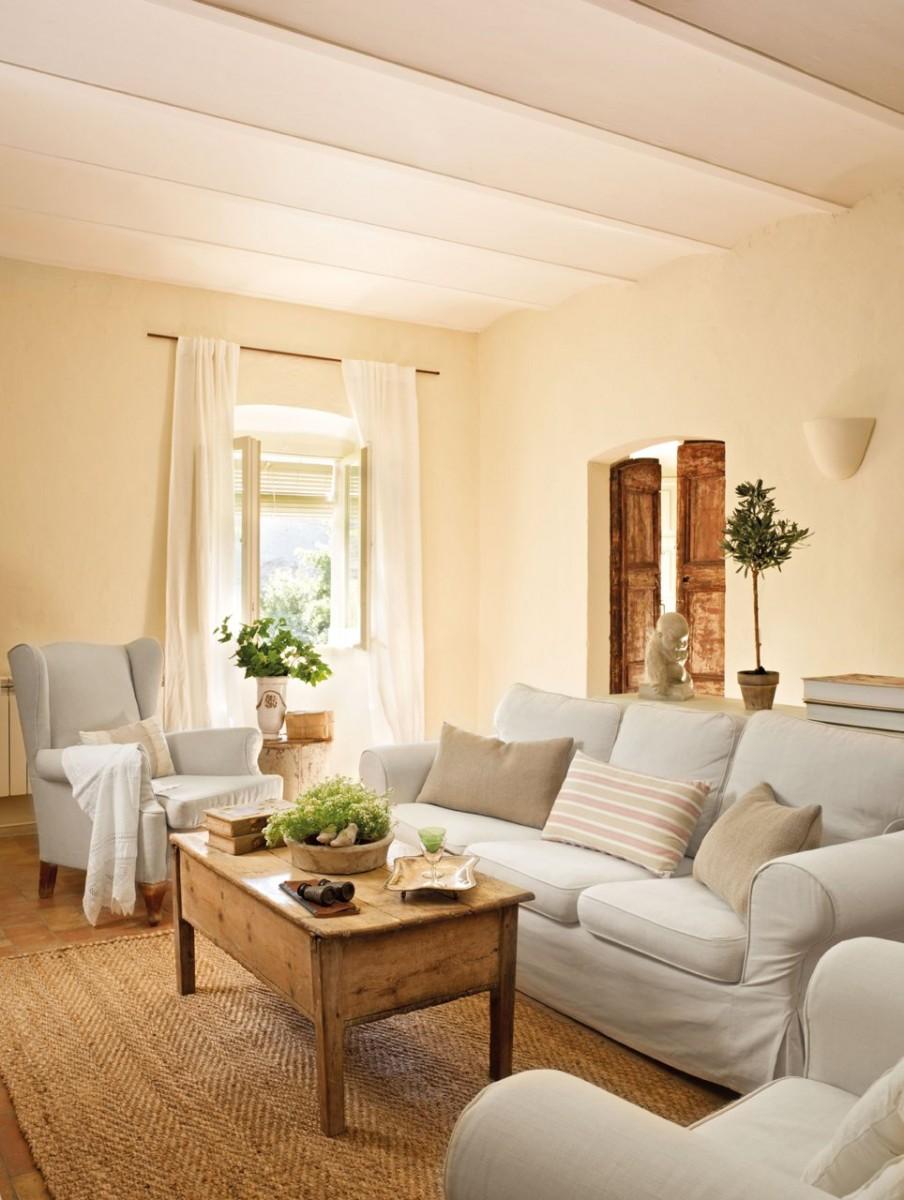 Una casa de pueblo en el ampurd n con mucho encanto for Muebles con encanto online