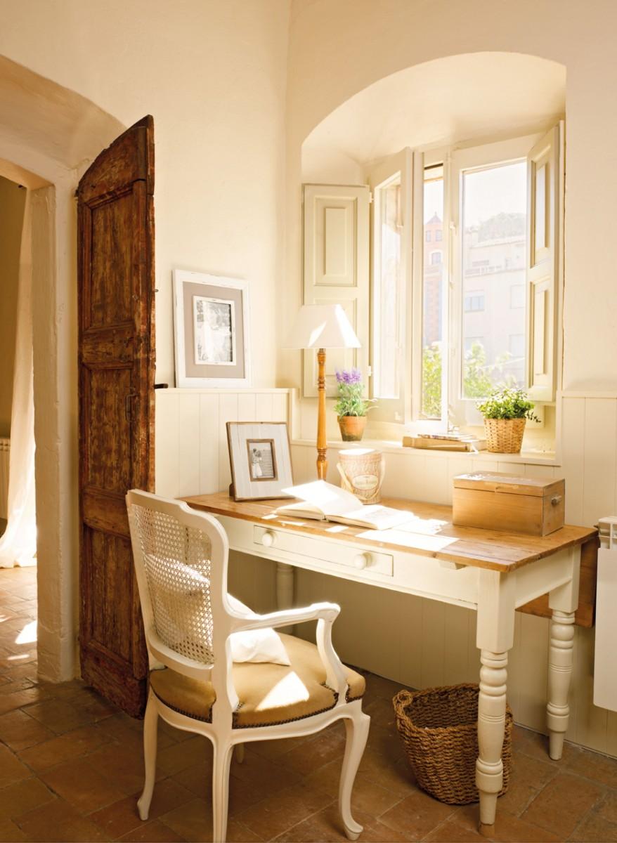 Una casa de pueblo en el ampurd n con mucho encanto for Casas de muebles online